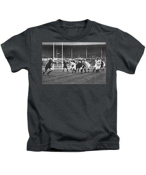 1931 Challenge Cup At Wembley Kids T-Shirt