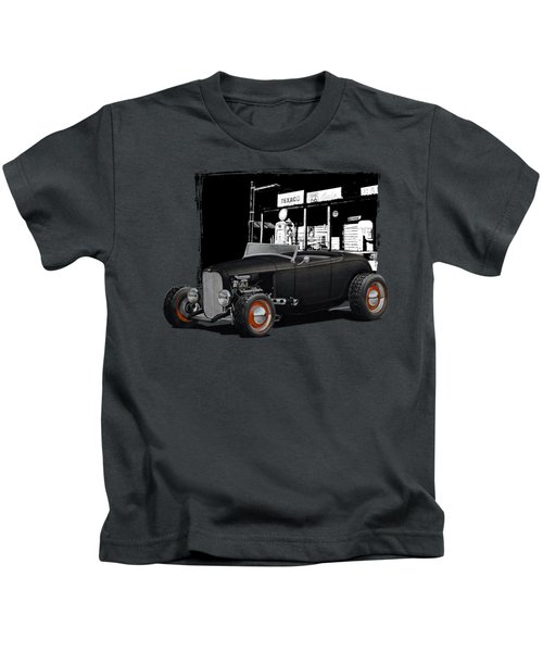 1932 Ford At Gas Station Kids T-Shirt