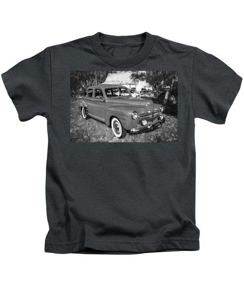 1942 Ford Super Deluxe Sedan Bw  Kids T-Shirt