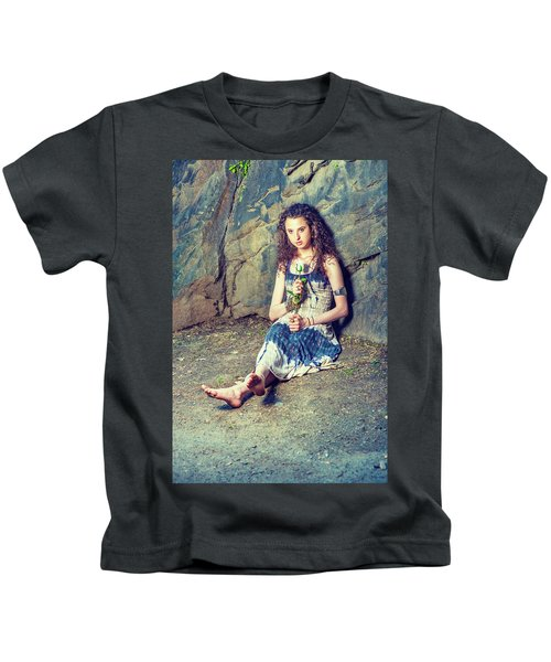 Young American Woman Missing You With White Rose In New York Kids T-Shirt