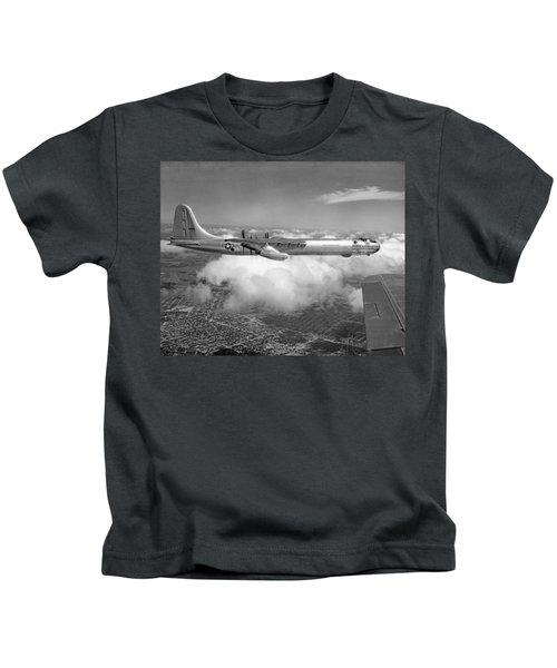 A Convair B-36f Peacemaker Kids T-Shirt