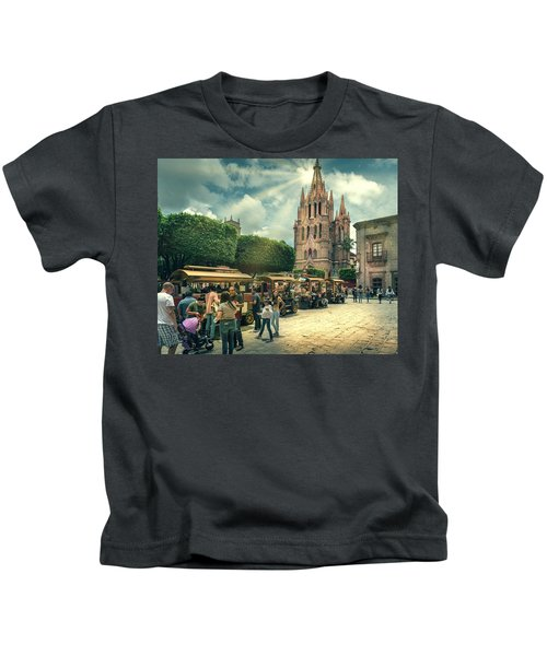 A Day With The Family Kids T-Shirt