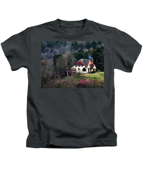 A Home In The Country Kids T-Shirt