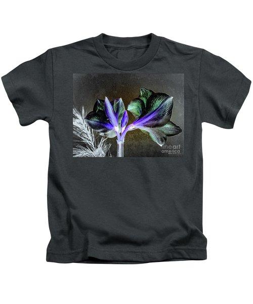 Amaryllis Belladonna Lily Buds Kids T-Shirt