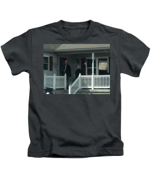An Evening Visit Kids T-Shirt