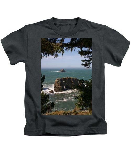 Arch Rock View Kids T-Shirt
