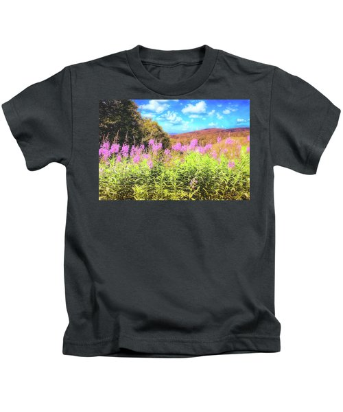 Art Photo Of Vermont Rolling Hills With Pink Flowers In The Foreground Kids T-Shirt