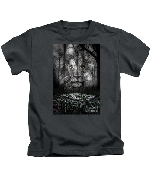 Aslan And The Stone Table Kids T-Shirt