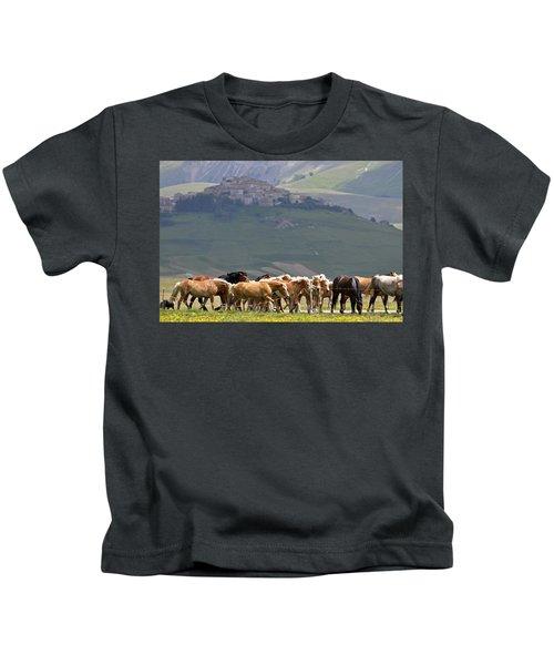 Castelluccio Di Norcia, Parko Nazionale Dei Monti Sibillini, Italy Kids T-Shirt