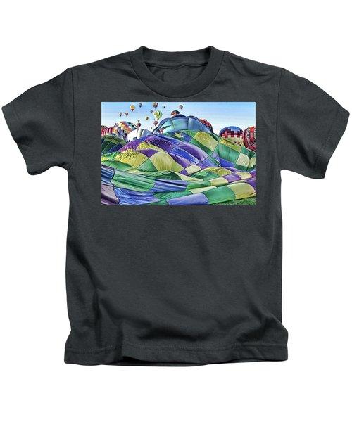 Ballooning Waves Kids T-Shirt