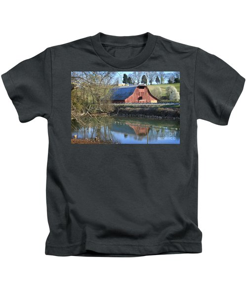 Barn And Reflections Kids T-Shirt