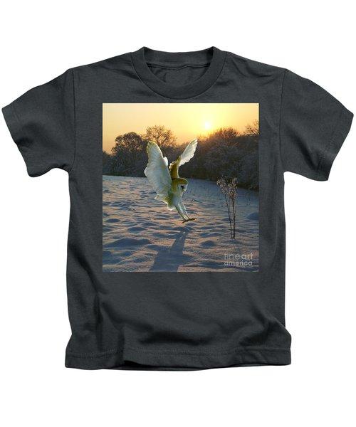 Barn Owl In Snowy Sunset Kids T-Shirt