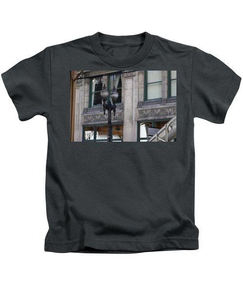 Beautiful Chicago Gothic Grunge Kids T-Shirt