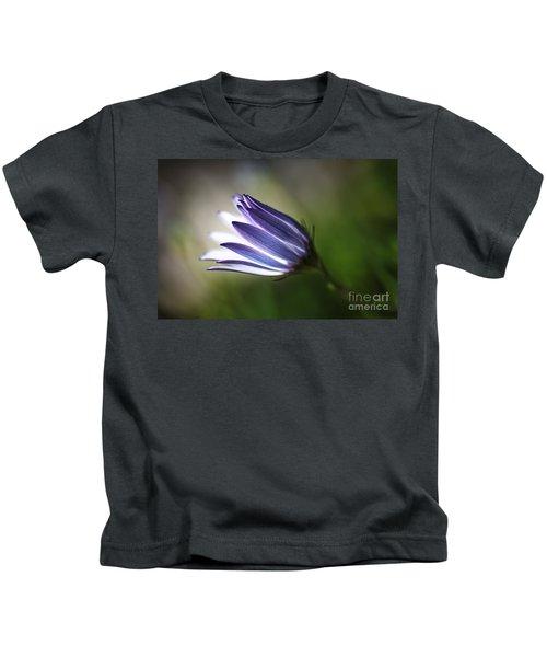 Beautiful Inner Glow Of The Daisy Kids T-Shirt