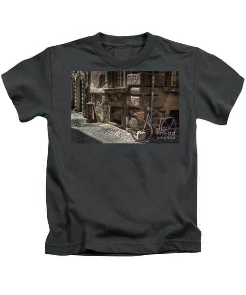 Bicycle In Rome, Italy Kids T-Shirt