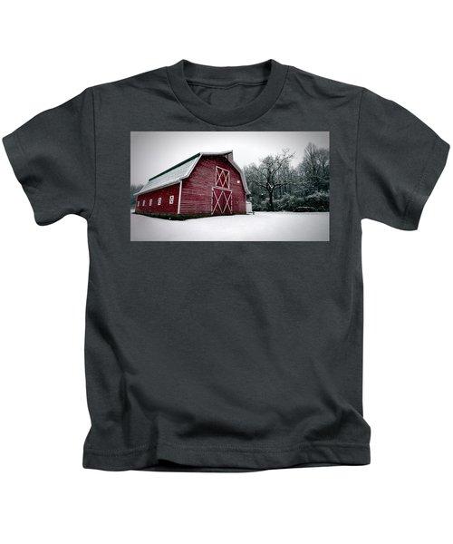 Big Red Barn In Snow Kids T-Shirt