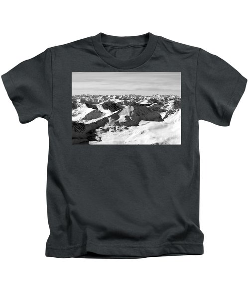 Black And White Of The Summit Of Mount Elbert Colorado In Winter Kids T-Shirt