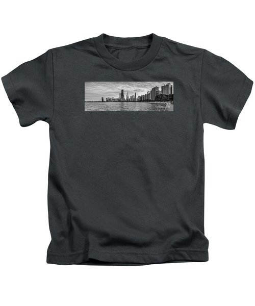 Black And White Panorama Of Chicago From North Avenue Beach Lincoln Park - Chicago Illinois Kids T-Shirt