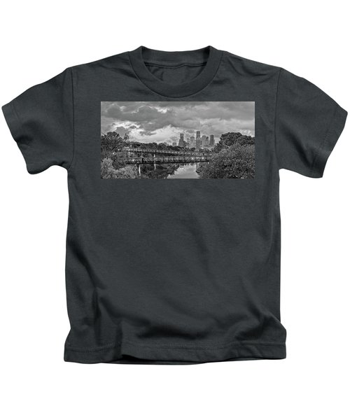Black And White Panorama Of Downtown Houston And Buffalo Bayou From The Studemont Bridge - Texas Kids T-Shirt