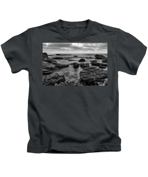 Black And White Sunset At Low Tide Kids T-Shirt