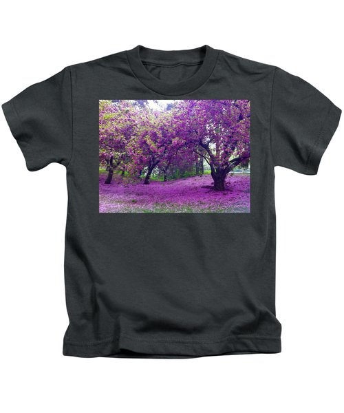 Blossoms In Central Park Kids T-Shirt