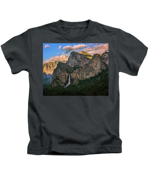 Bridalveil Falls From Tunnel View Kids T-Shirt