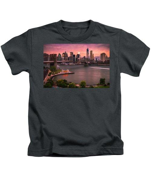 Brooklyn Bridge Over New York Skyline At Sunset Kids T-Shirt