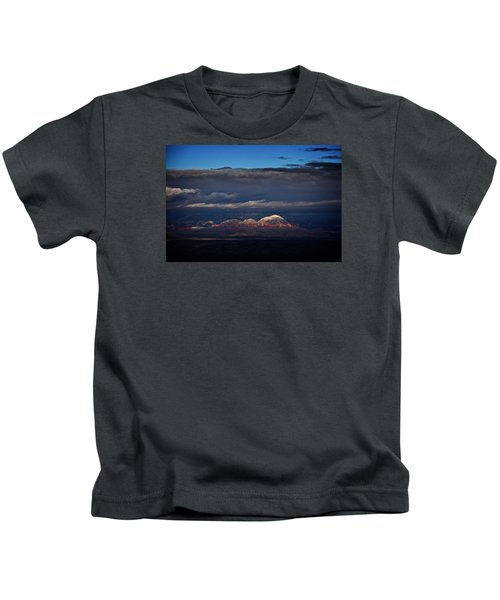 Capitol Butte In Sedona With Snow Kids T-Shirt