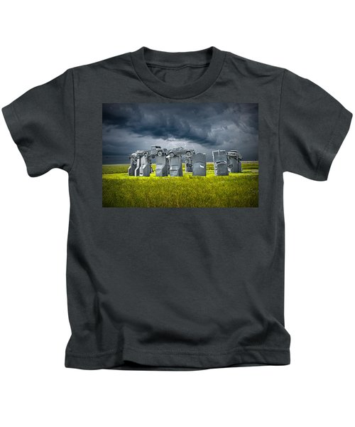 Car Henge In Alliance Nebraska After England's Stonehenge Kids T-Shirt