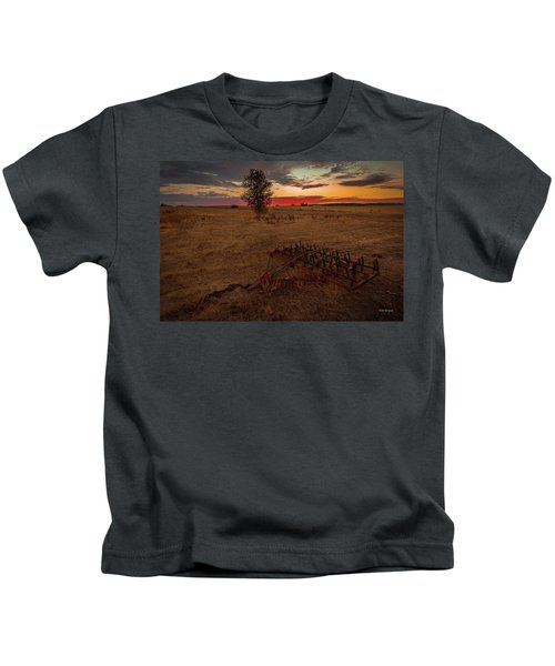 Change On The Horizon Kids T-Shirt
