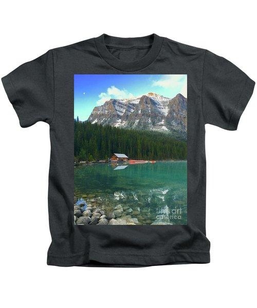 Chateau Boat House Kids T-Shirt