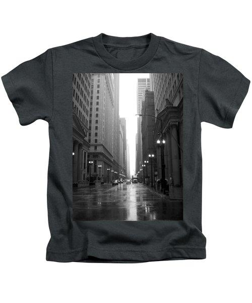 Chicago In The Rain 2 B-w Kids T-Shirt