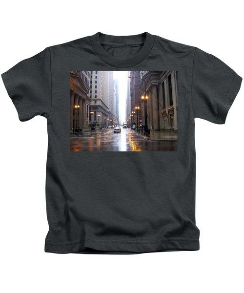 Chicago In The Rain Kids T-Shirt
