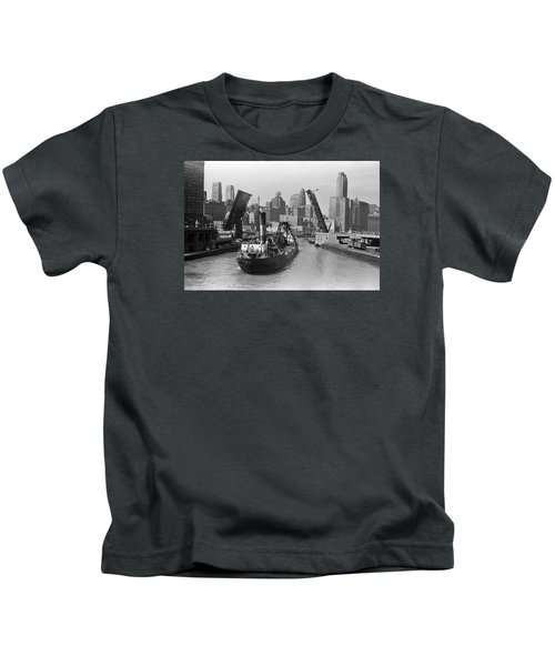Chicago River 1941 Kids T-Shirt