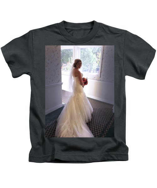 Cindy Sue Gets Married Kids T-Shirt
