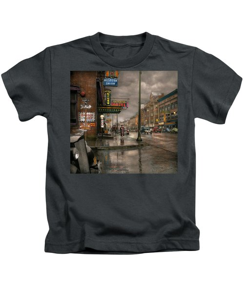 City - Amsterdam Ny -  Call 666 For Taxi 1941 Kids T-Shirt