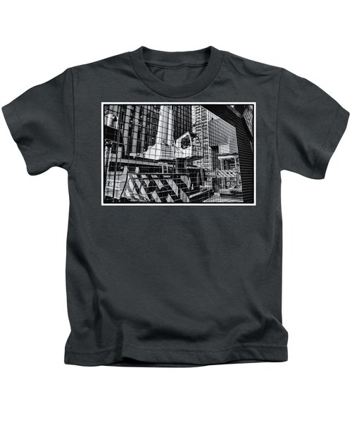 Crane In Manhattan Kids T-Shirt
