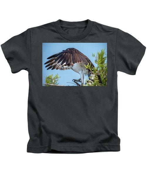 Daddy Osprey On Guard Kids T-Shirt
