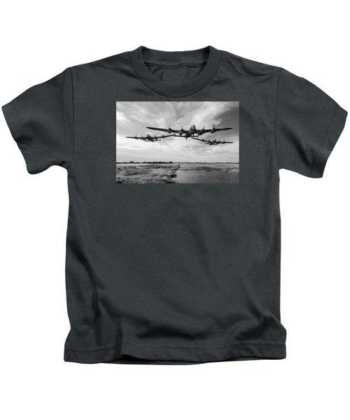 Dambusters Practising Low Level Flying Bw Version Kids T-Shirt