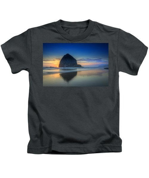 Day's End In Cannon Beach Kids T-Shirt