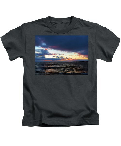 December Sunset, Wolfe Island, Ca. View From Tibbetts Point Lighthouse Kids T-Shirt