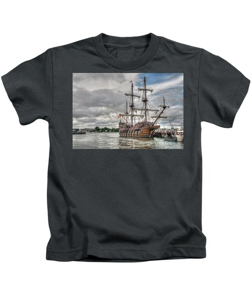 El Galeon Andalucia In Portsmouth Kids T-Shirt