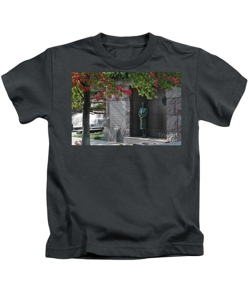 Eleanor's Alcove At The Fdr Memorial In Washington Dc Kids T-Shirt