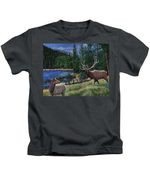 Elk At Beaver Lake  Yellowstone Kids T-Shirt