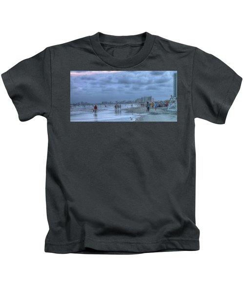Evening Stroll Kids T-Shirt
