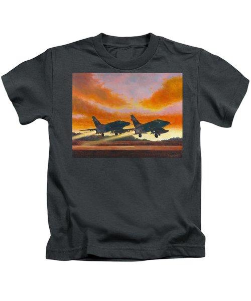 F-100d's Missouri Ang At Dusk Kids T-Shirt