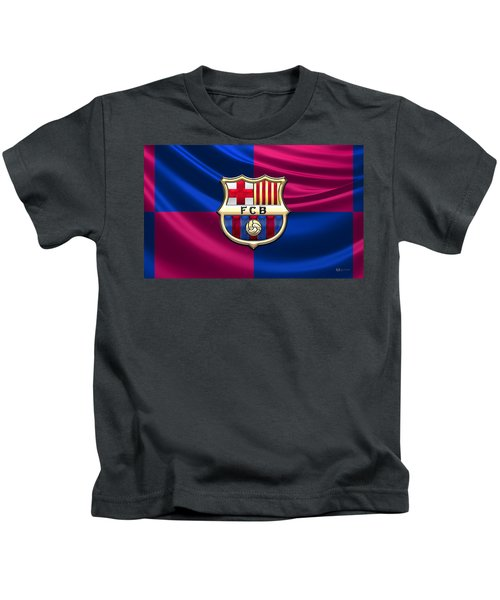 F. C. Barcelona - 3d Badge Over Flag Kids T-Shirt