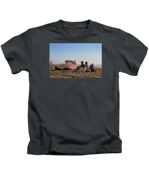 Family At Ocean Beach With Dogs Kids T-Shirt