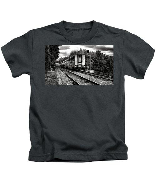 Farewell Traveler  Kids T-Shirt