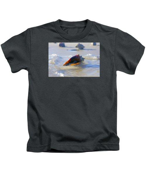 Fighting Conch On Beach Kids T-Shirt